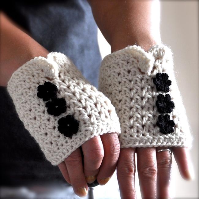 short fingerless mittens