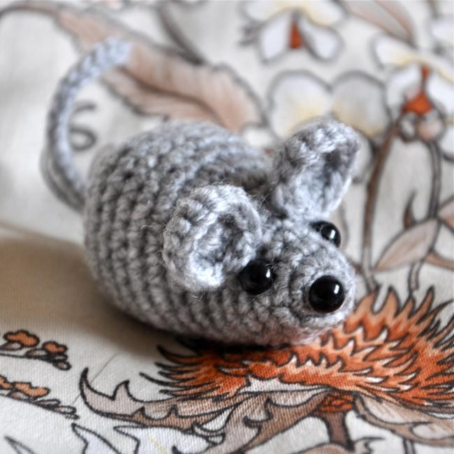 cute crochet amigurumi mouse