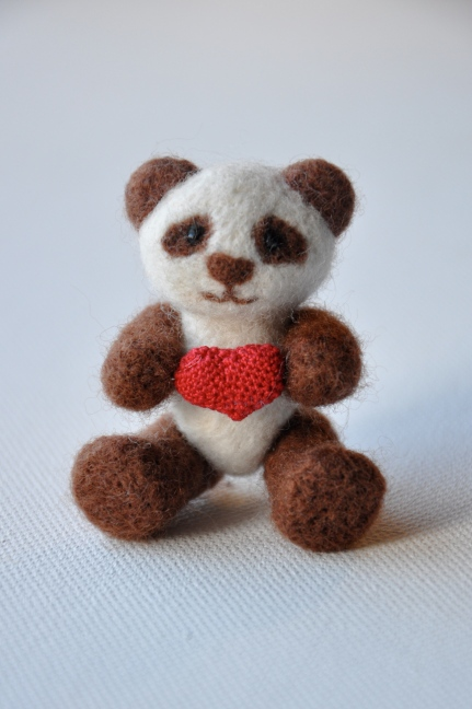 bear with crochet heart