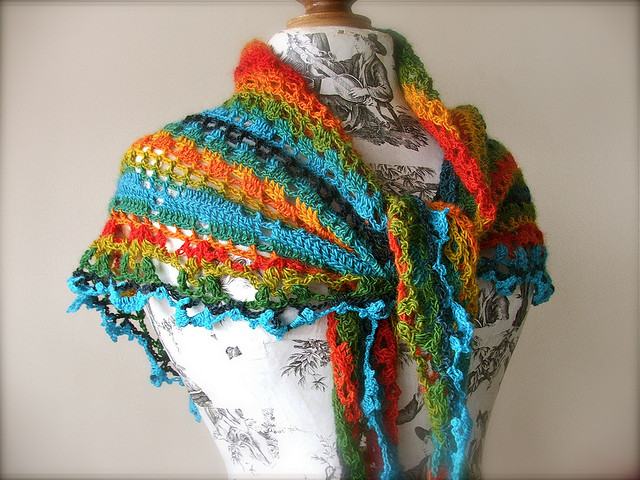 photo of the shawl in tropical fish