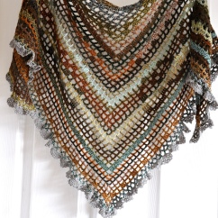 photo of the maple leaves shawl