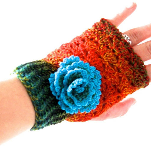 photo the pretty crochet mitten